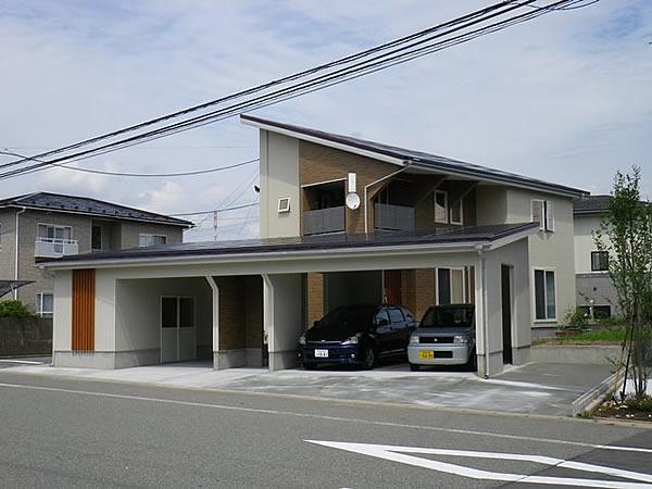 秋田市K様邸ローン0円住宅門、ガレージ付き